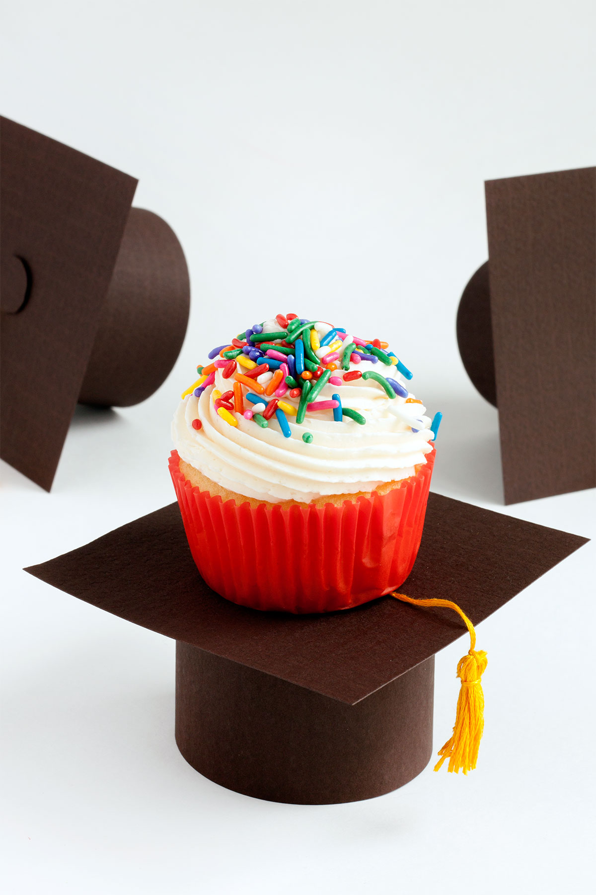 Graduation cap cupcake stand