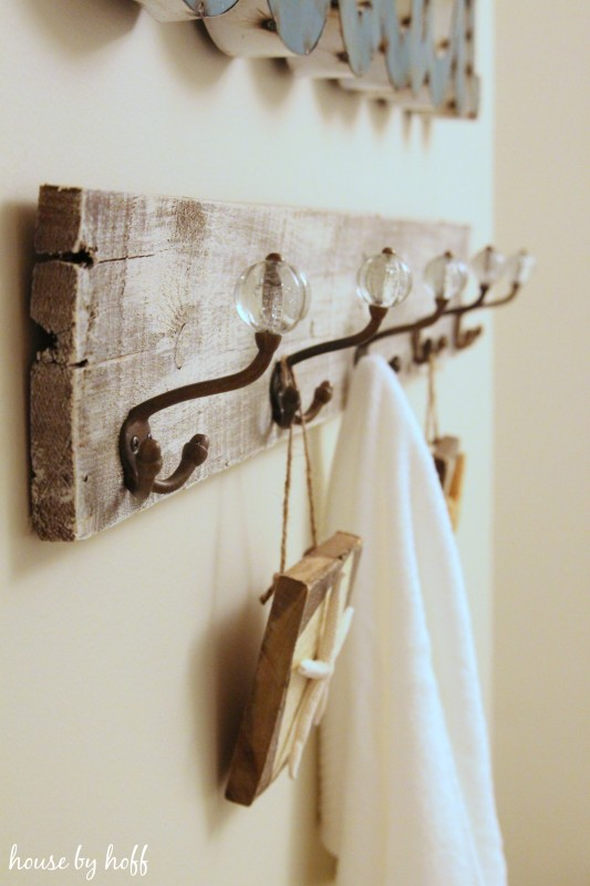 How to make a towel rack from pallets