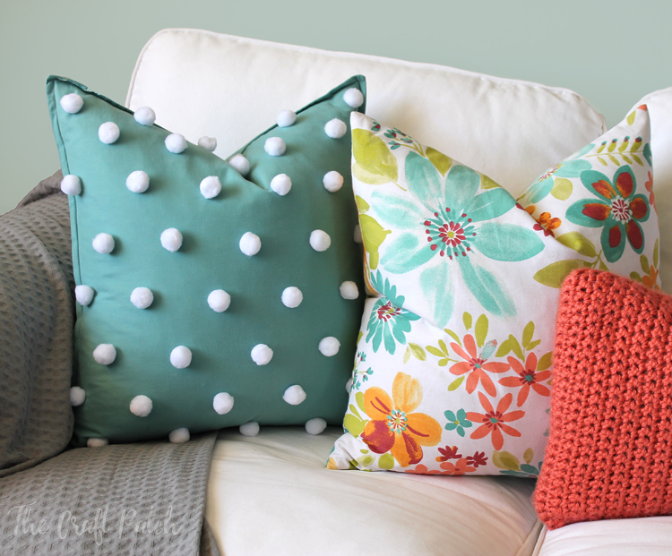 PomPom pillow diy
