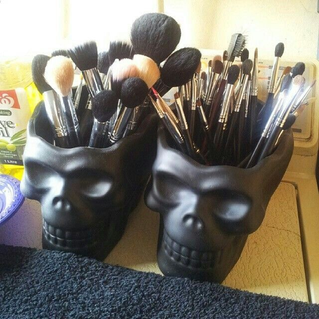 Wonderful DIY Make up Holder
