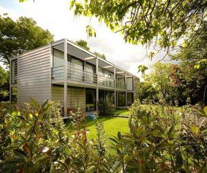 A Simple, Suitable Villa by Sluijmer & Van Leeuwen Architects