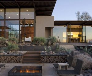 The Brown Residence, A Combination Between Glass&Steel