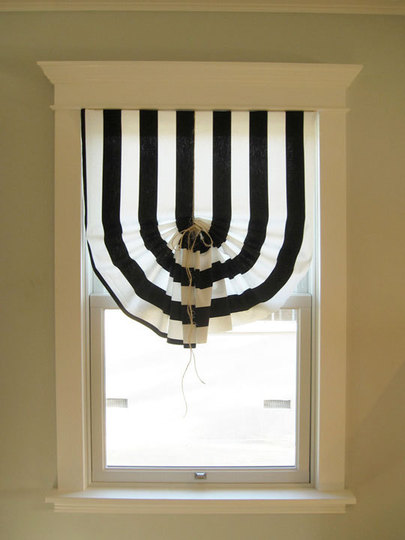 diy-black-and-white-curtains-2