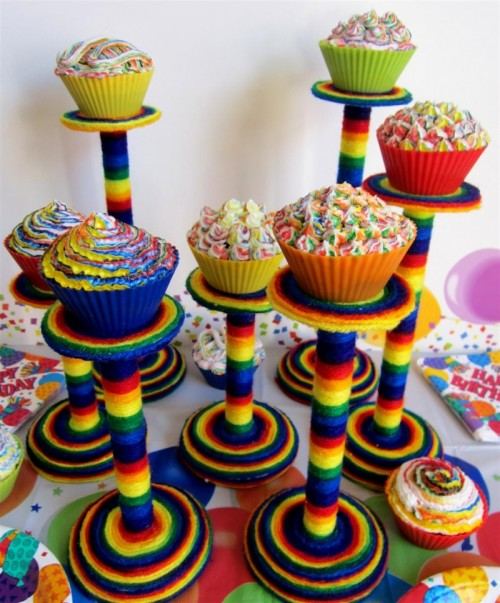 diy-rainbow-colored-cupcake-stands-1-500x603