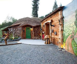 Inspiring hobbit house in Trout Creek, Mont