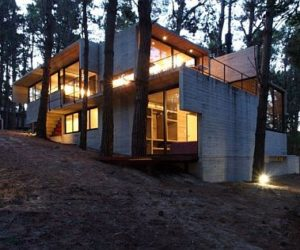 Beautiful Levels House in Argentina by BAK Architects