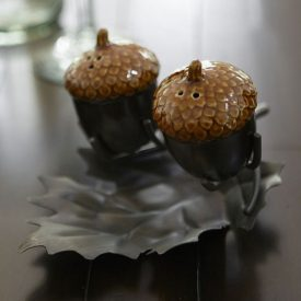 Acorn Salt & Pepper Set