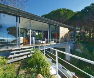 Nice Bridge House by Van Der merwe Miszewski Architects