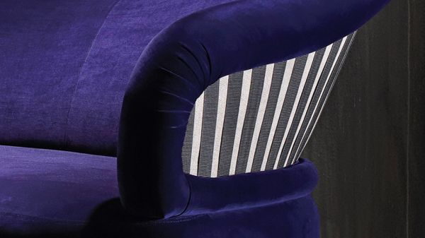 Chic Sofa by Adele Cassina