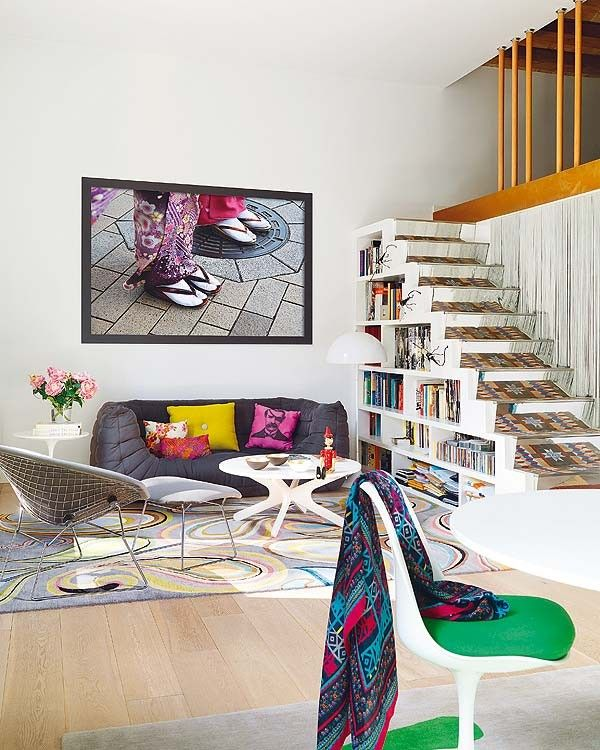 Funky house with playful decor in barcelona for Funky home decor