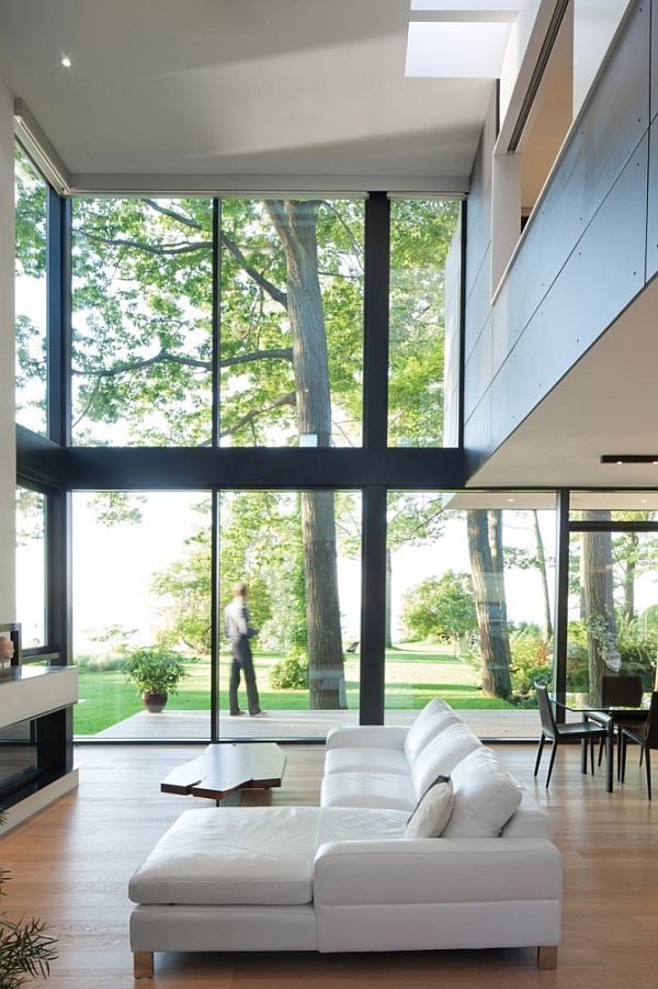 House on the Bluffs by Taylor Smyth Architects