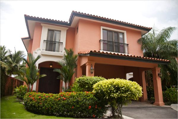 Lovely spanish style colonial in panama for Spanish style homes for sale near me