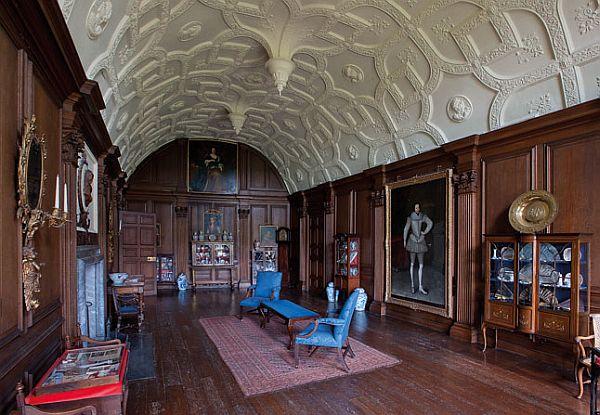 The impressive Lullingstone Castle