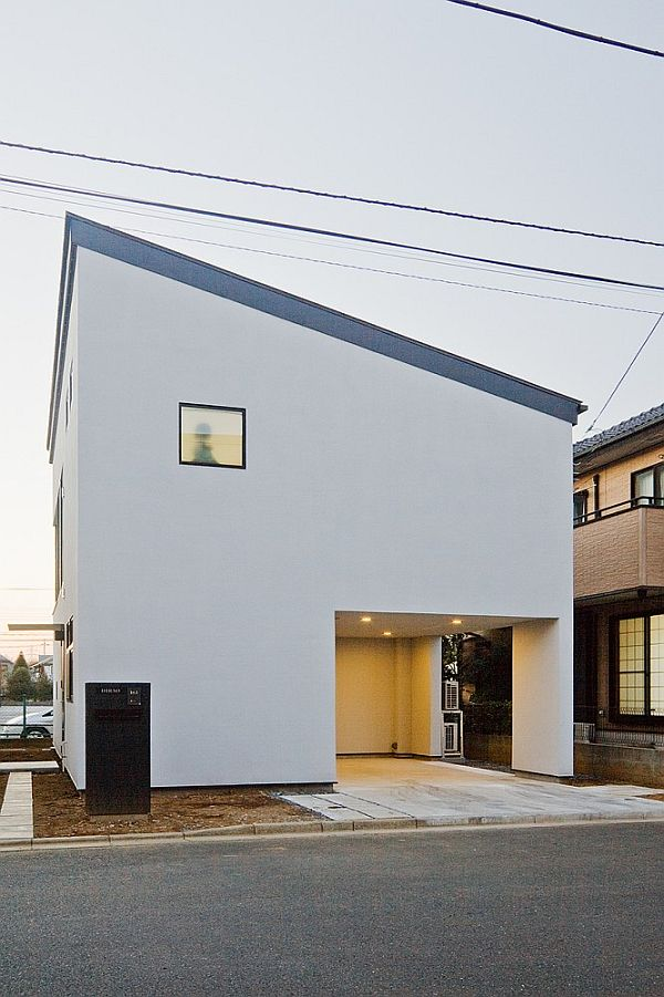 house in Tokyo by Upsetters Architects