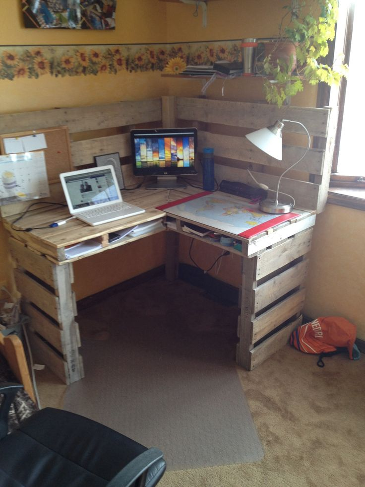 Great Diy Pallet Farm Table Desk