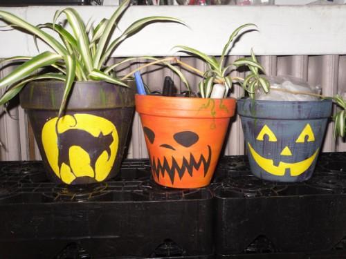 DIY Spooky Halloween Planters