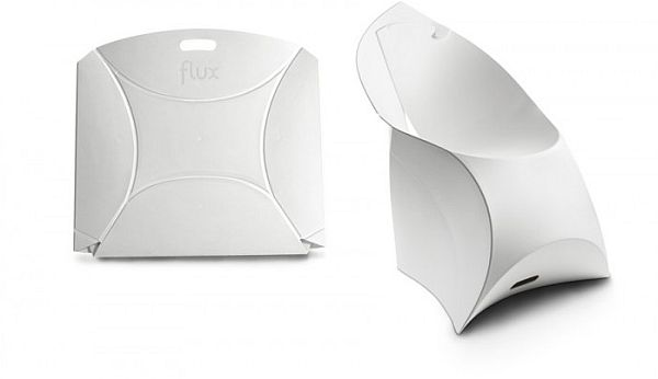 Foldable Flux chair designed for small spaces