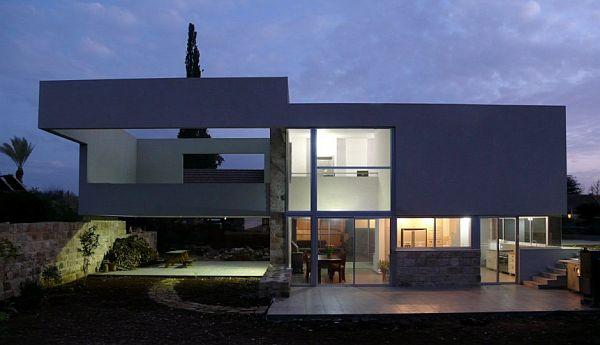 Hotel Villa by Uri Cohen Architects