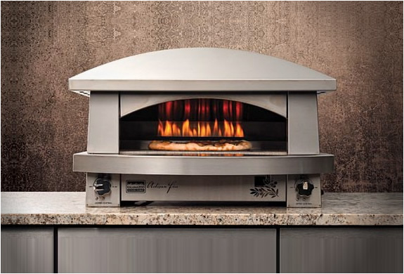 The Artisan Fire Pizza Oven by Kalamazoo