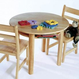 Lipper Child's Round Table & Two Chairs
