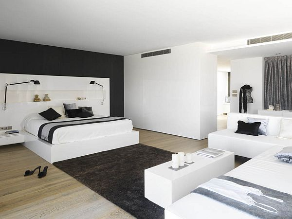 Modern pure white apartment by Susanna Cots
