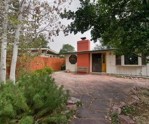 Cozy ranch-like residence in Denver for sale