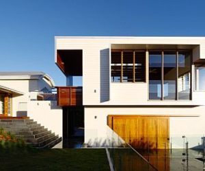 The Clayfield House by Shaun Lockyer Architects