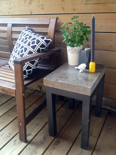Concrete side table DIY