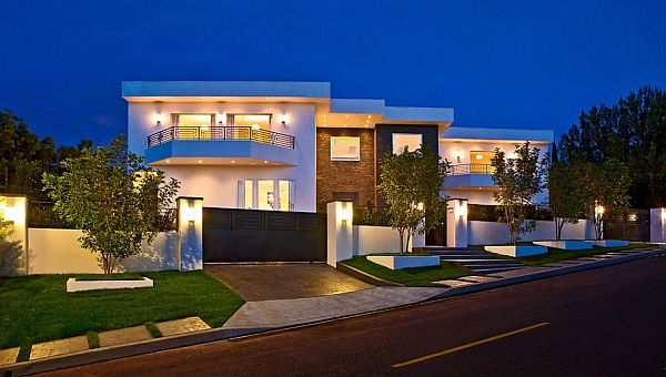 Expansive family residence in bel air by dream project la for Huge modern mansion