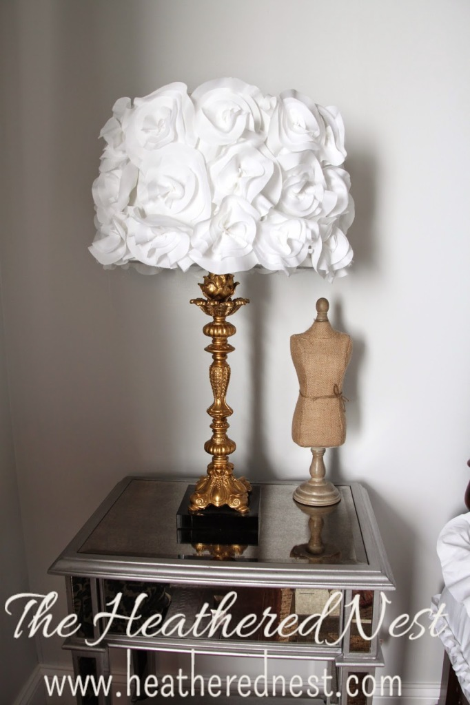 Feminine look lamp