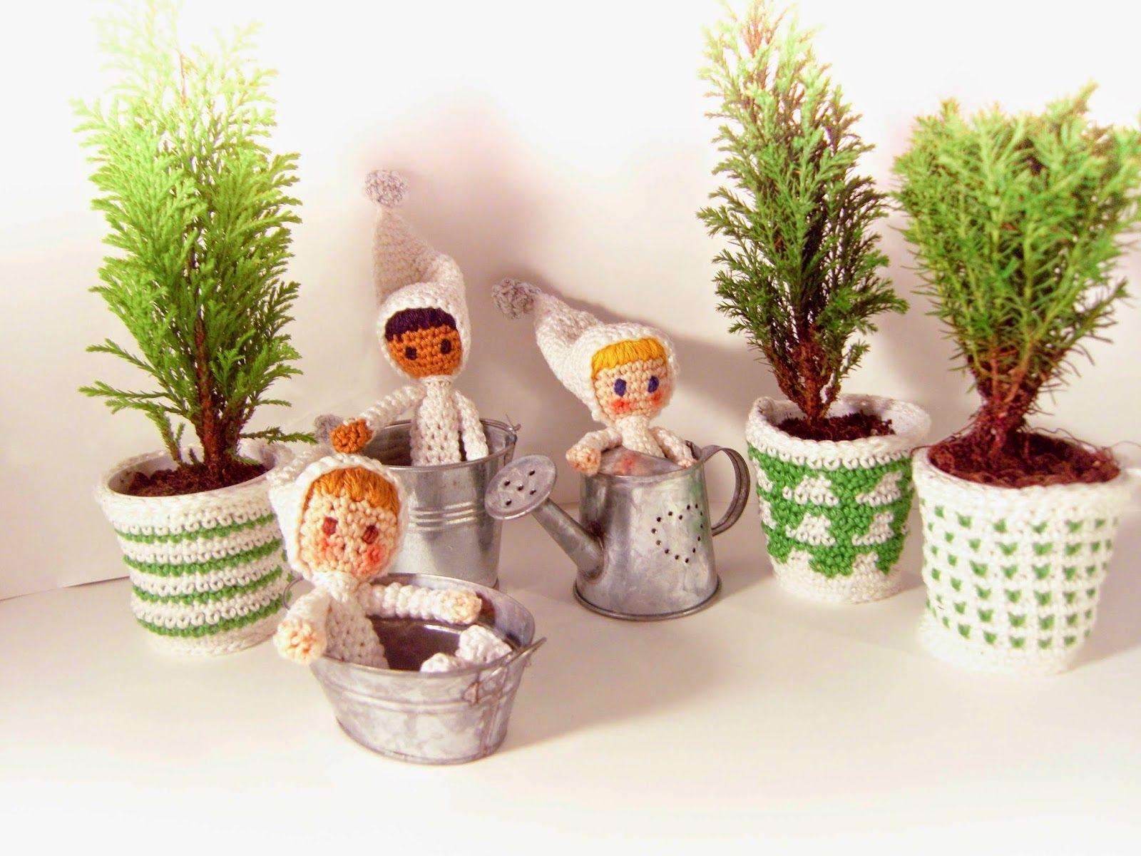 Little snow crocheted design accessories