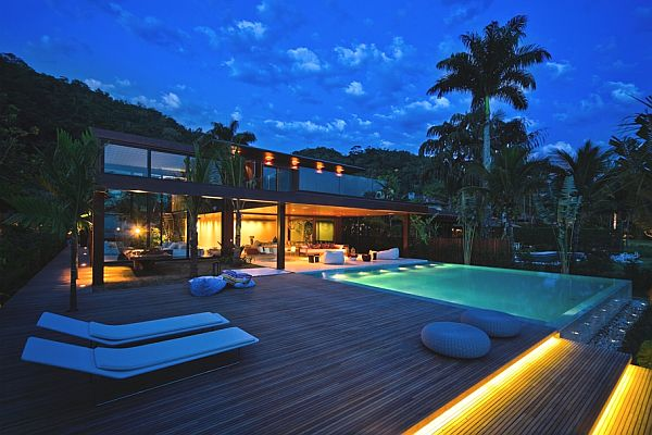 Laranjeiras Residence in Brazil