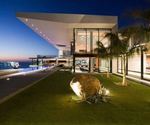 Contemporary Atlantic Ocean-side Residence by SAOTA