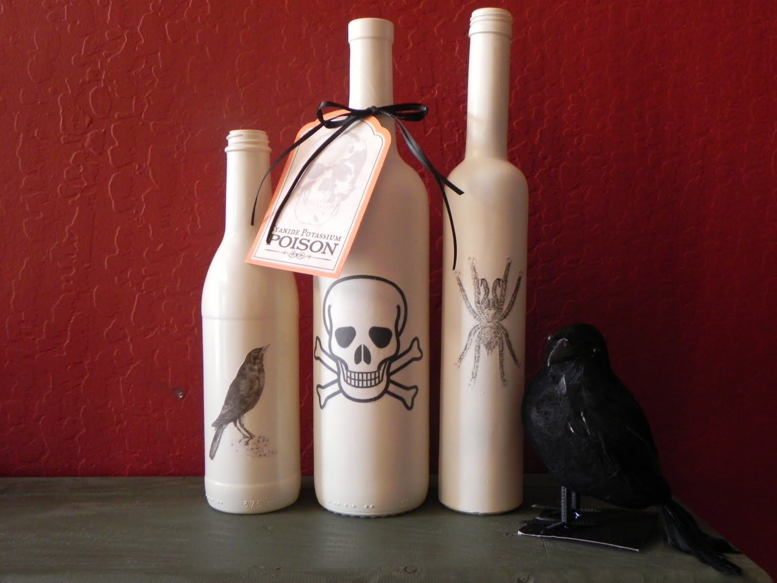 Simple Halloween Decor Part - 23: Simple Halloween Crafts You Can Make Using Bottles