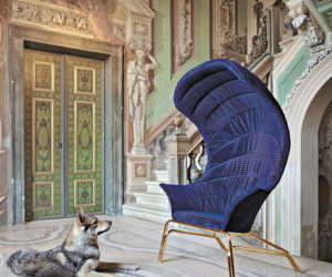 Elegant Queen Chair by Smania