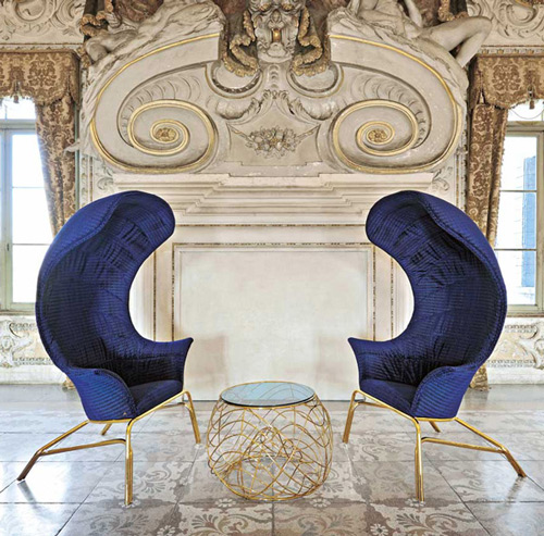 Queen Seems To Take The Shape Of Your Body, Offers You Privacy And Comfort.  It Is Available In Various Colors So That You Can Match It With Your  Interiors ... Photo