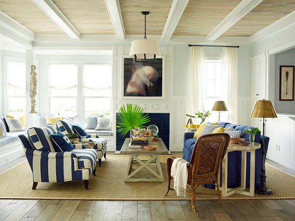 Bright and inviting beach house by phoebe howard for Beach home interiors