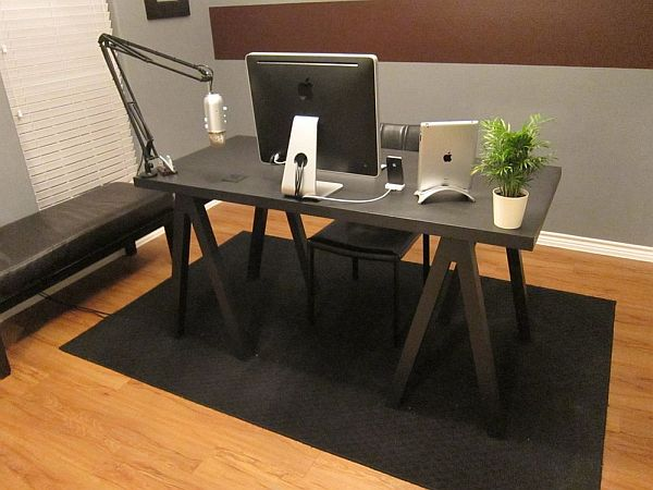 https://cdn.homedit.com/wp-content/uploads/2011/10/desk-diy1.jpg