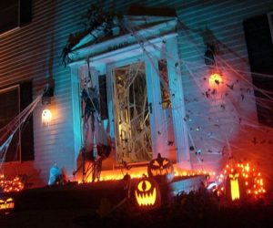 13 Halloween Front Yard Decoration Concept