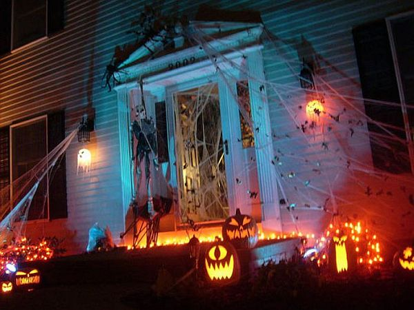 view in gallery halloween front yard decoration ideas - Halloween Outside Decoration Ideas