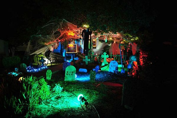 view in gallery - House Halloween Decorations