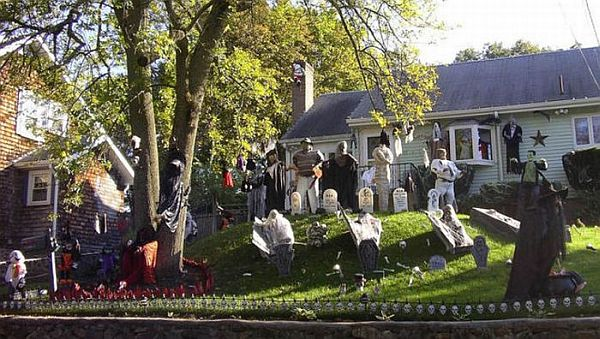halloween front yard decoration ideas - How To Decorate Outside For Halloween