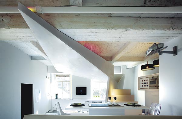 Unconventional space by G&R Studio