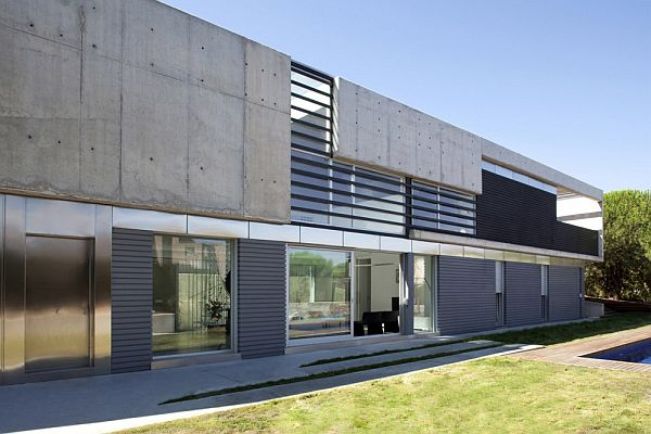 The Roncero House by ALT arquitectura