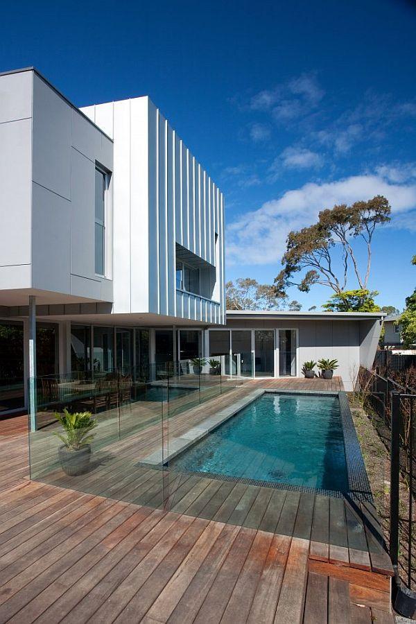 Dynamic residence in Beaumaris, Australia