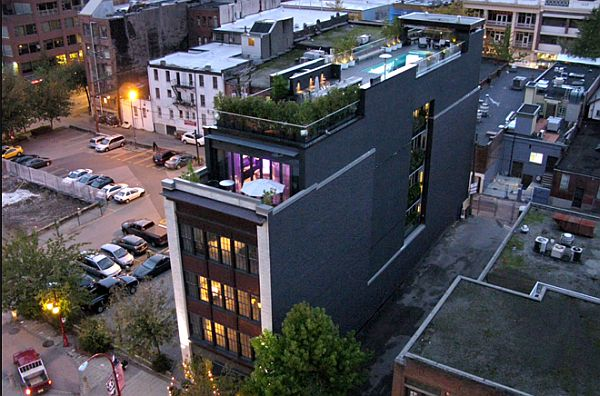 Penthouse in Vancouver With Roof Pool