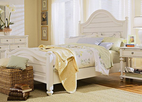 white bedroom furniture.  How to decorate a bedroom with white furniture