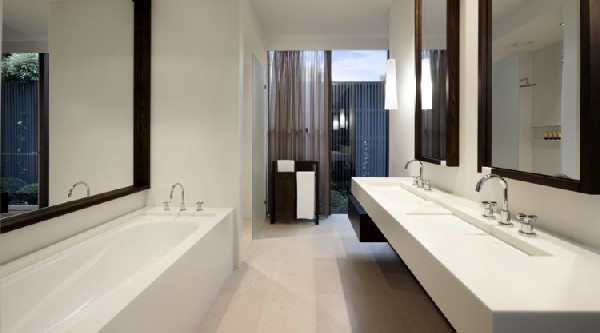 Carpenter Street Residence bathroom
