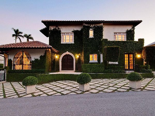 Restored 1918 mediterranean residence in west palm beach for Most beautiful mediterranean houses
