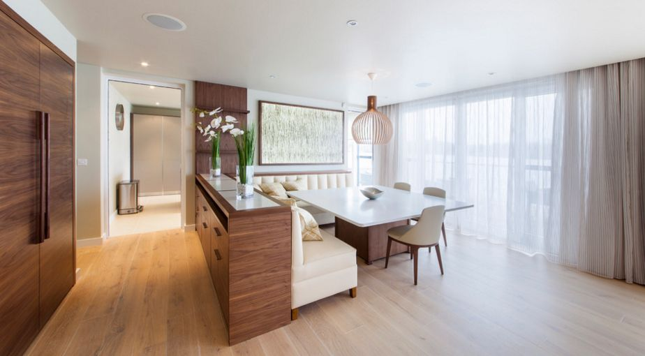 Contemporary kitchen design with a perfect seating